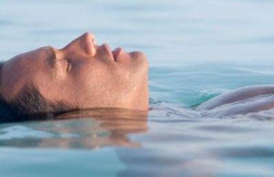 Los beneficios de  la flotación en  nuestro cerebro